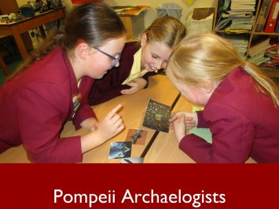 3 Pompeii Archaelogists